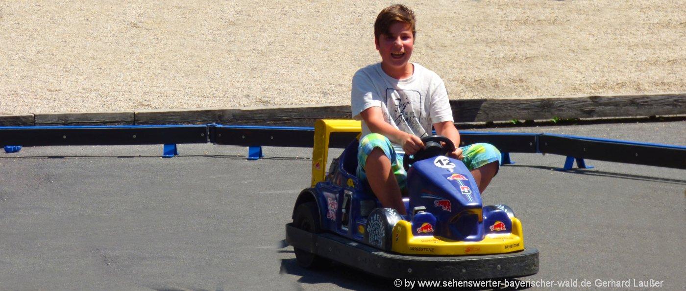 freizeitangebote-kartfahren-kinder-freizeitpark-ausflugsziele-bayern