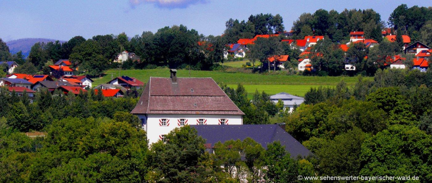 Sehenswürdigkeit in Freyung Schloss Wolfstein mit Jagdmuseum und Fischereimuseum