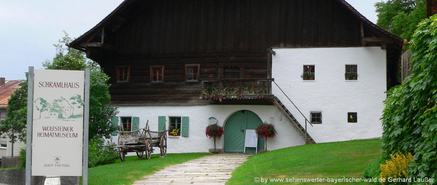 Freizeitaktivitäten in Freyung Besichtigung vom Heimatmuseum im Schramlhaus