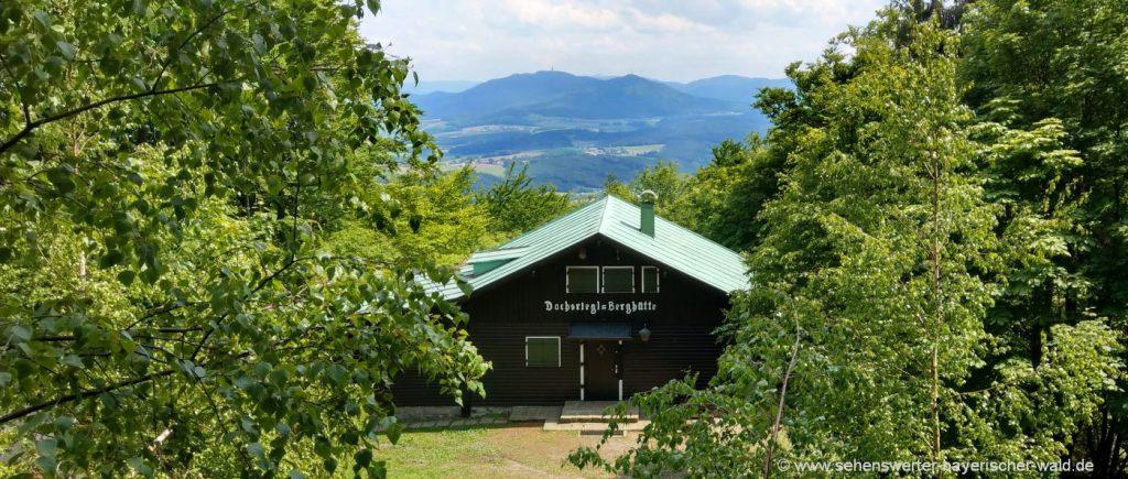 furth-im-wald-dachsriegel-berghütte-bayerischer-wald-aussichtspunkt