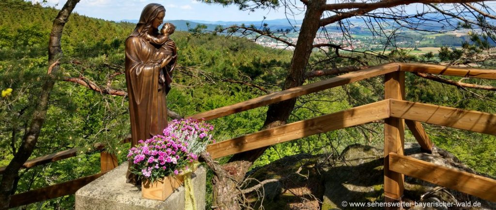 furth-im-wald-kirschbaumriegel-wandern-aussichtspunkt-statue