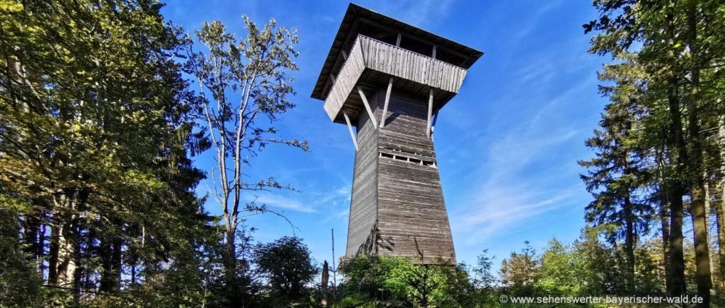 Aussichtsturm am Geißkopf Berg bei Bischofsmais Sehenswürdigkeit