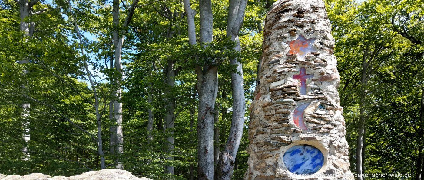 gibacht-rundweg-leuchtturm-menschlichkeit-wandern-ausflugsziele