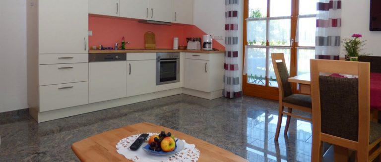 gillingerhof-barrierefreie-ferienwohnungen-oberpfalz-rollstuhlgerechte-küche