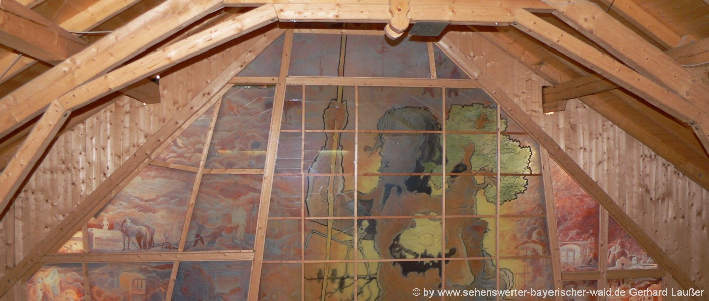 Gläserne Scheune Viechtach Glaskunst Bayerischer Wald