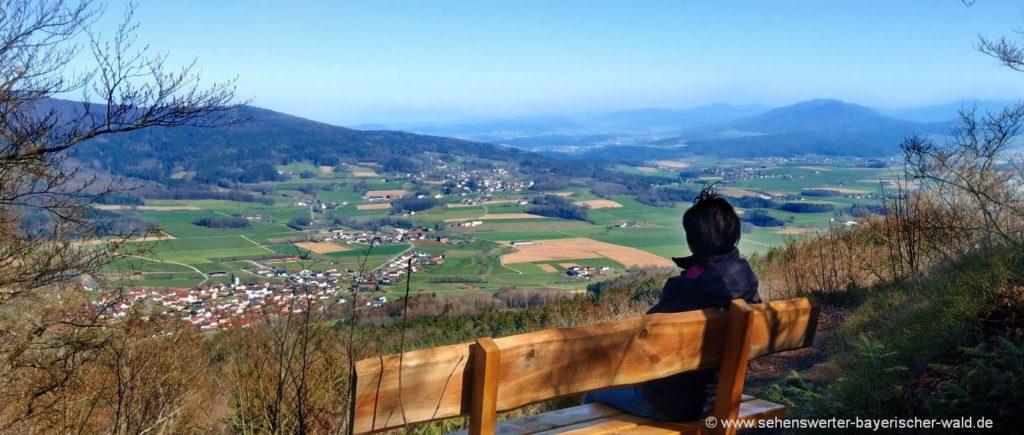 Wandern von Gleissenberg zum Aussichtspunkt Arberblick