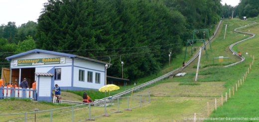 grafenauer-bobbahn-sommerrodelbahn-freizeiteinrichtungen-bayerischer-wald