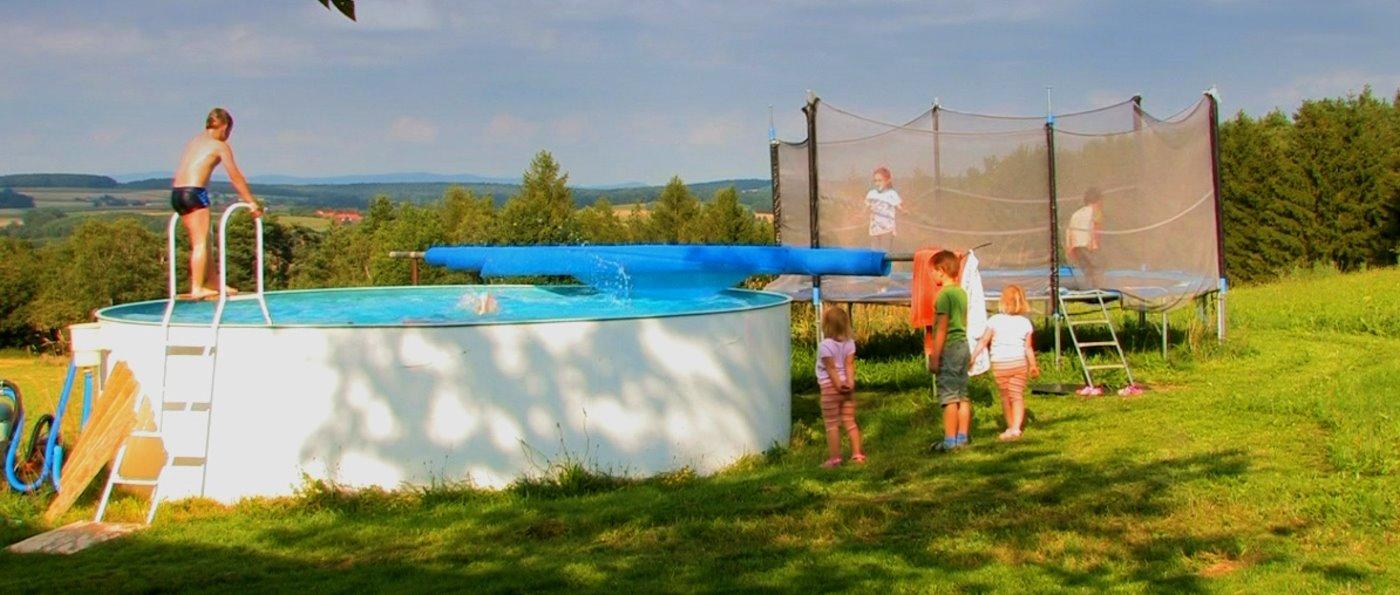 Bayerischer Wald Kinder Bauernhof mit Swimming Pool in Bayern