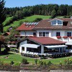 haus-am-berg-rinchnach-familien-hotel-bayern-ansicht