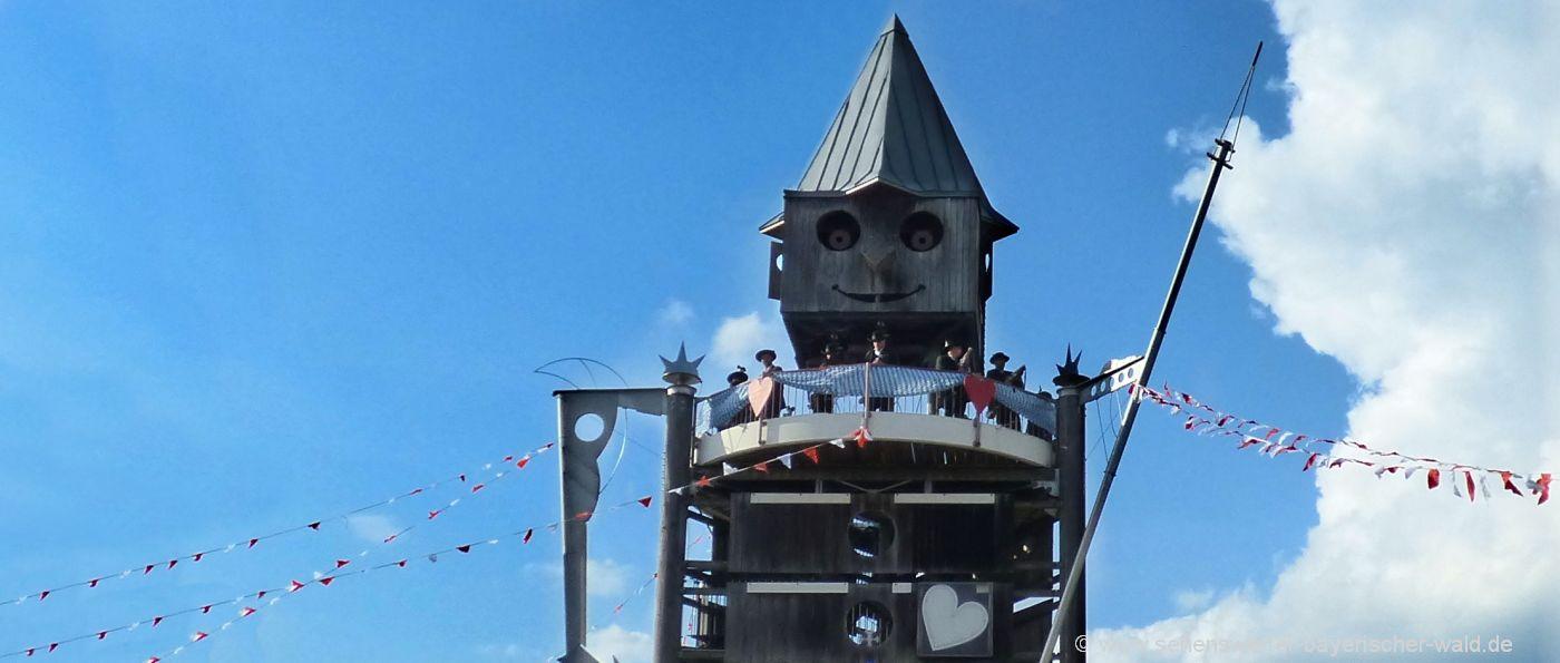 Der Edle Pinocchio Turm in Hauzenberg Aussichtsturm beim Rocco Park