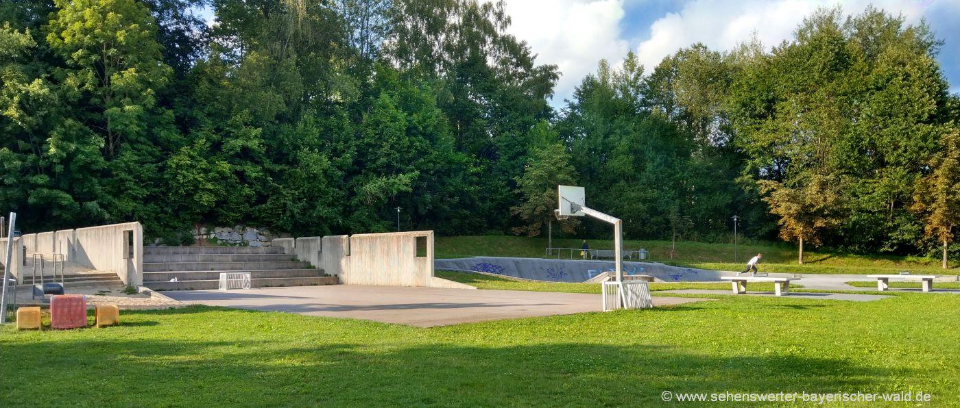 Abenteuer Kinderspielplatz in Hauzenberg Rocco Park mit Skateranlage