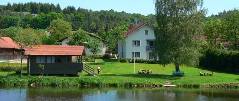 heimerl-wiesing-ferienwohnungen-direkt-am-regen-fluss-angelurlaub
