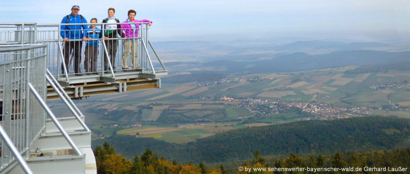 Nato Türme mit Aussichtsplattform am Hohen Bogen Berg