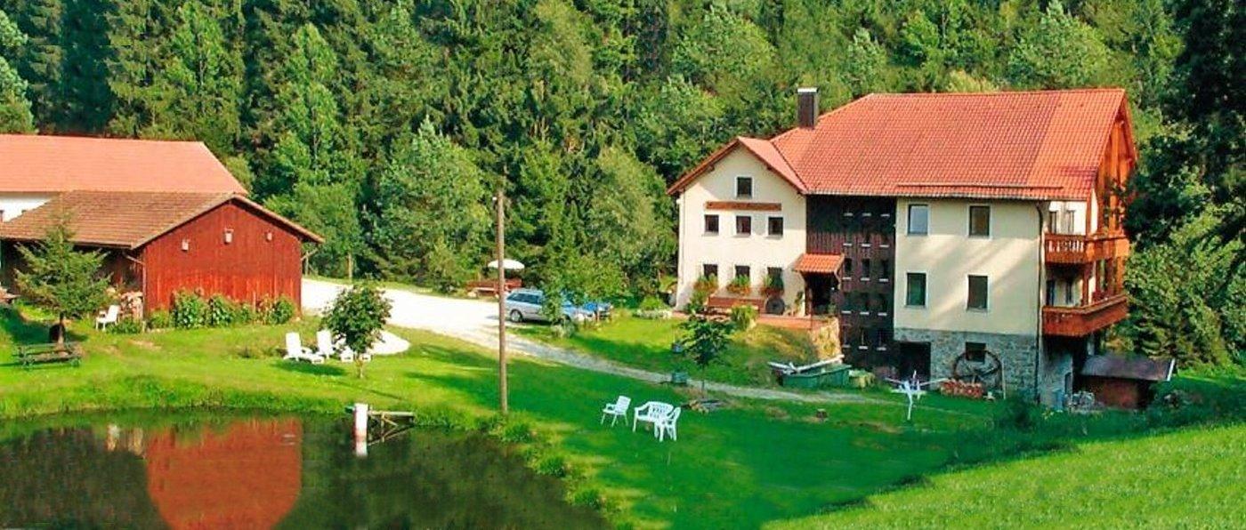 bauernhof-alleinlage-niederbayern-ferienwohnung-mühle