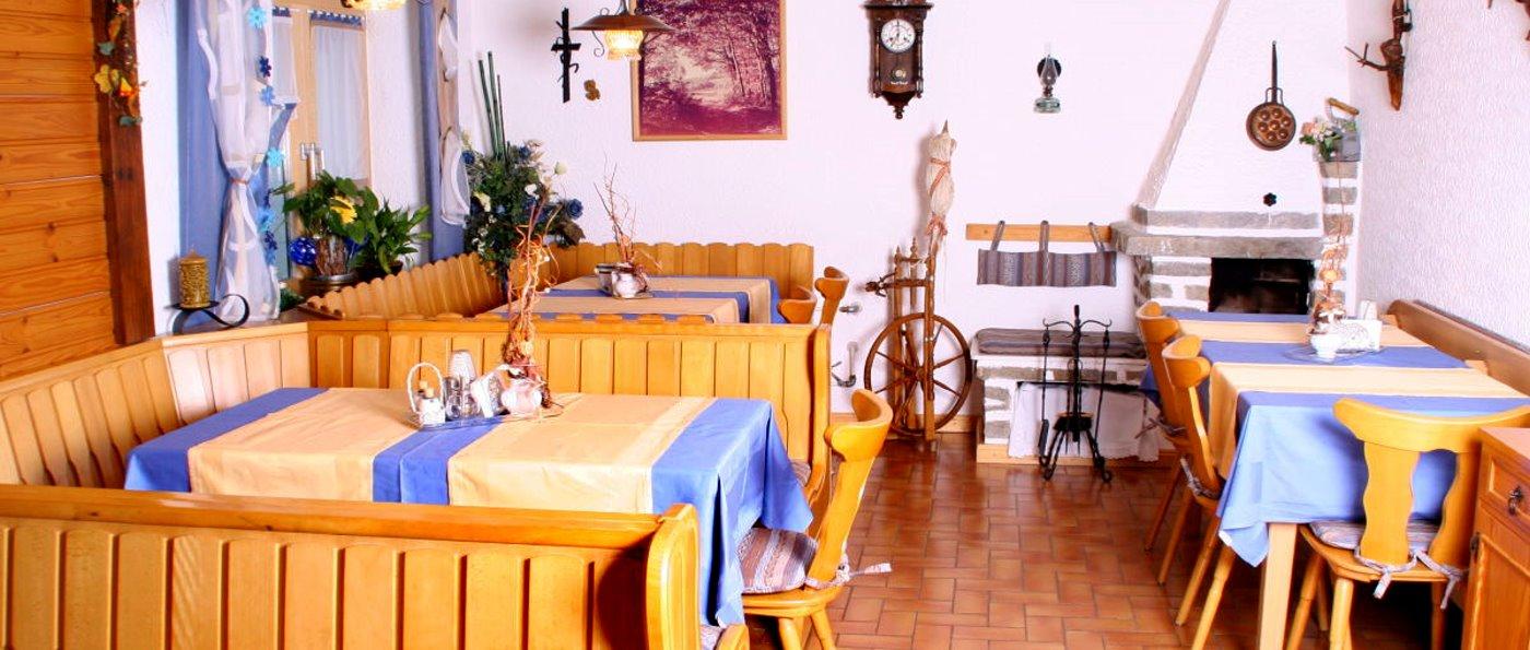 Ferienwohnung und Zimmer mit Frühstück bei Deggendorf Pension