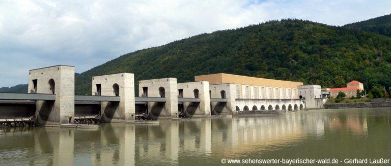 jochenstein-niederbayern-donau-kraftwerk-haus-am-strom-panorama-1400