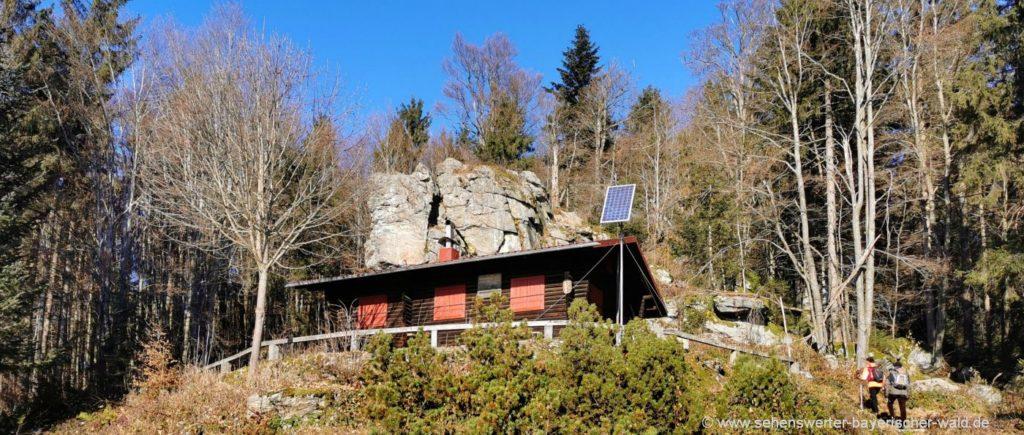 Bayerischer Wanderung zur Hirschmannhütte mit dem Aussichtsfelsen