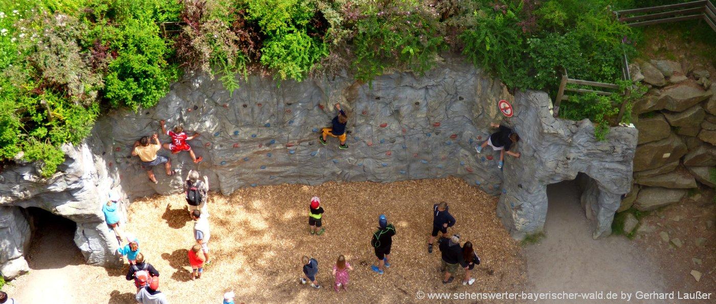 klettern-bayerischer-wald-niederbayern-freizeitangebote-kletterwand