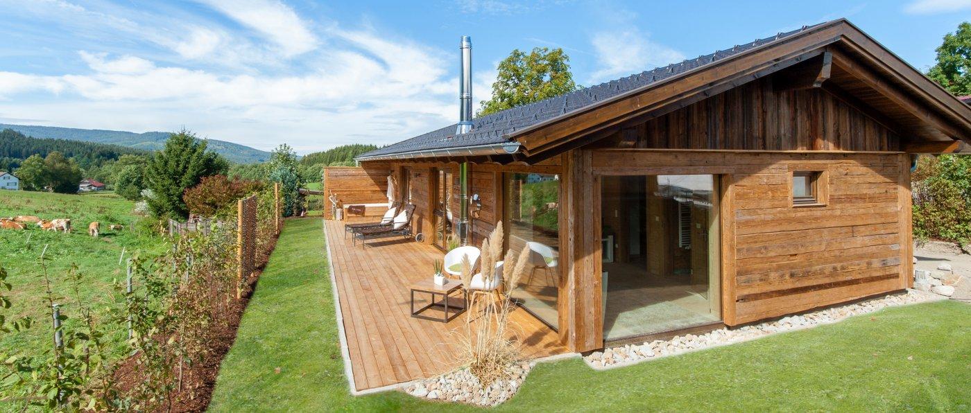 bayern chalet mit kamin mieten luxus ferienhaus mit sauna bayerischer wald. Black Bedroom Furniture Sets. Home Design Ideas