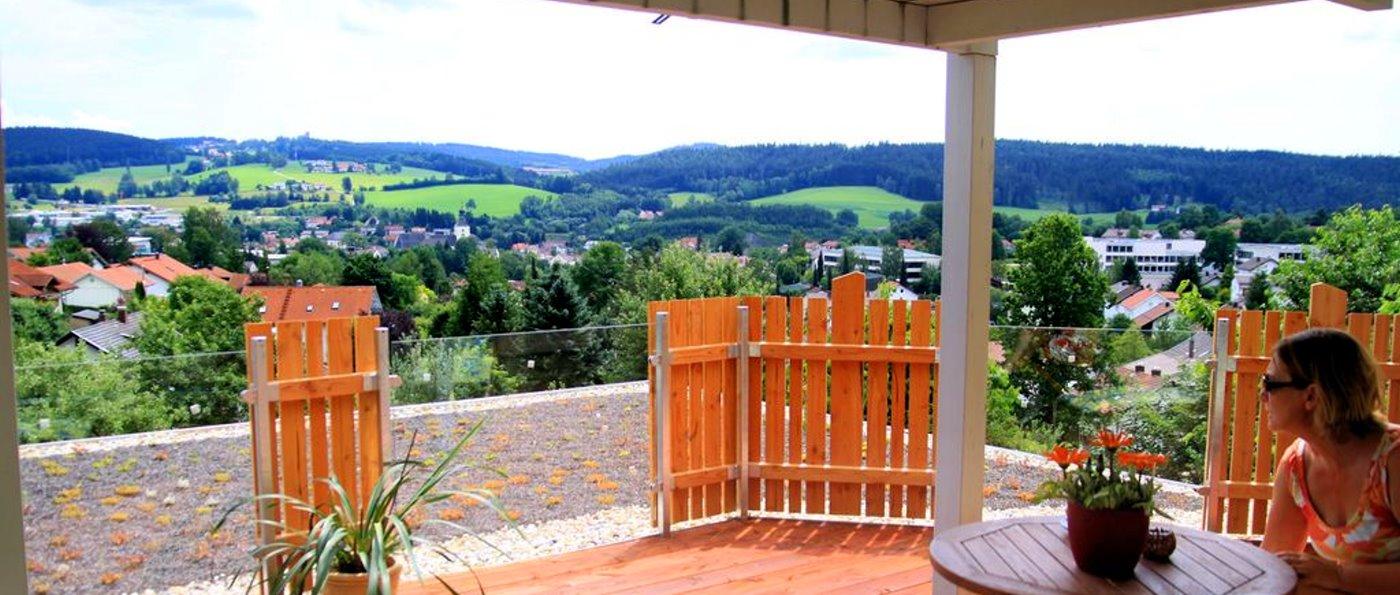 kopp-tagungshaus-niederbayern-selbstversorgerhaus-terrasse