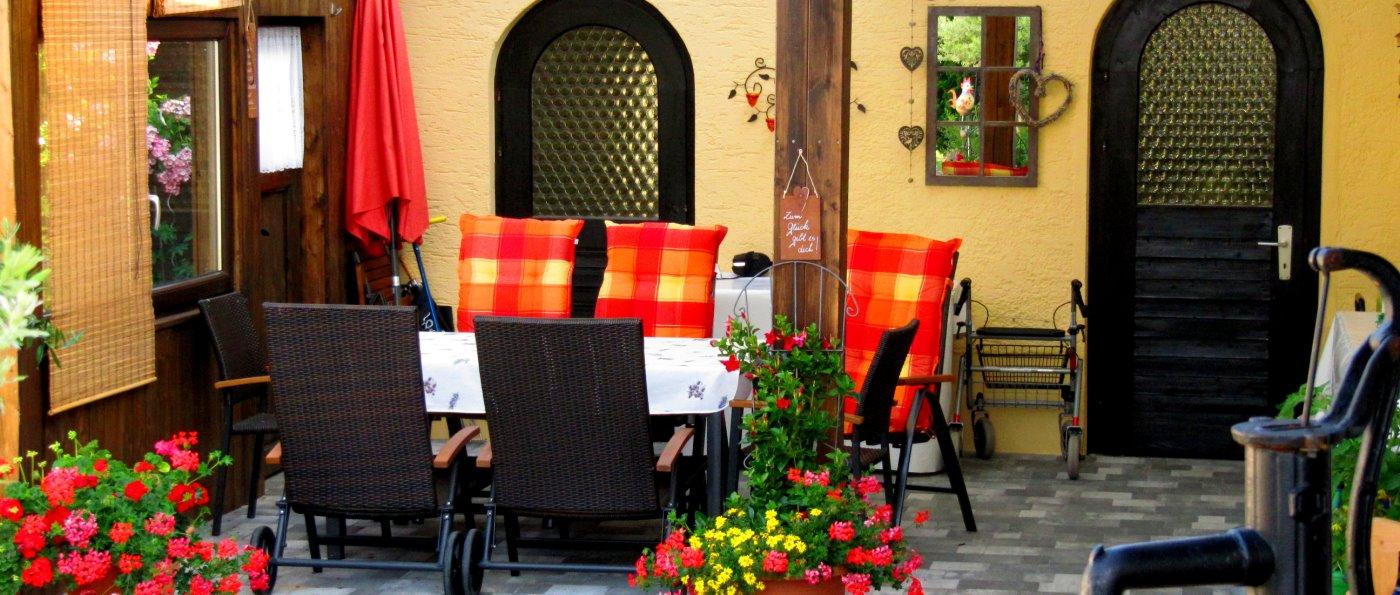 kreuzer-unterkunft-arnschwang-ferienwohnung-furth-im-wald-terrasse