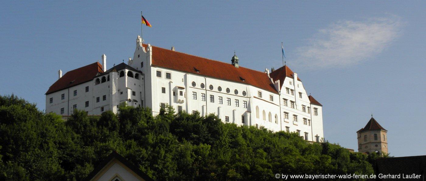 Landshut Burg Trausnitz Führungen, Parkplatz, Adresse für Anfahrt ...