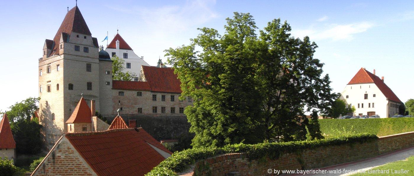 Attraktionen im Landkreis Landshut Ausflugsziele in Niederbayern - Burg Trausnitz