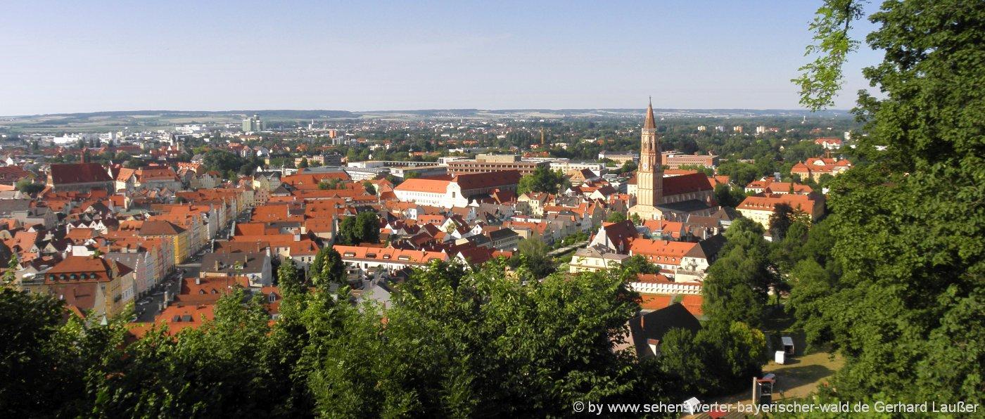 landshut-urlaubsregion-niederbayern-stadte-reiseziele-blick-von-burg-trausnitz