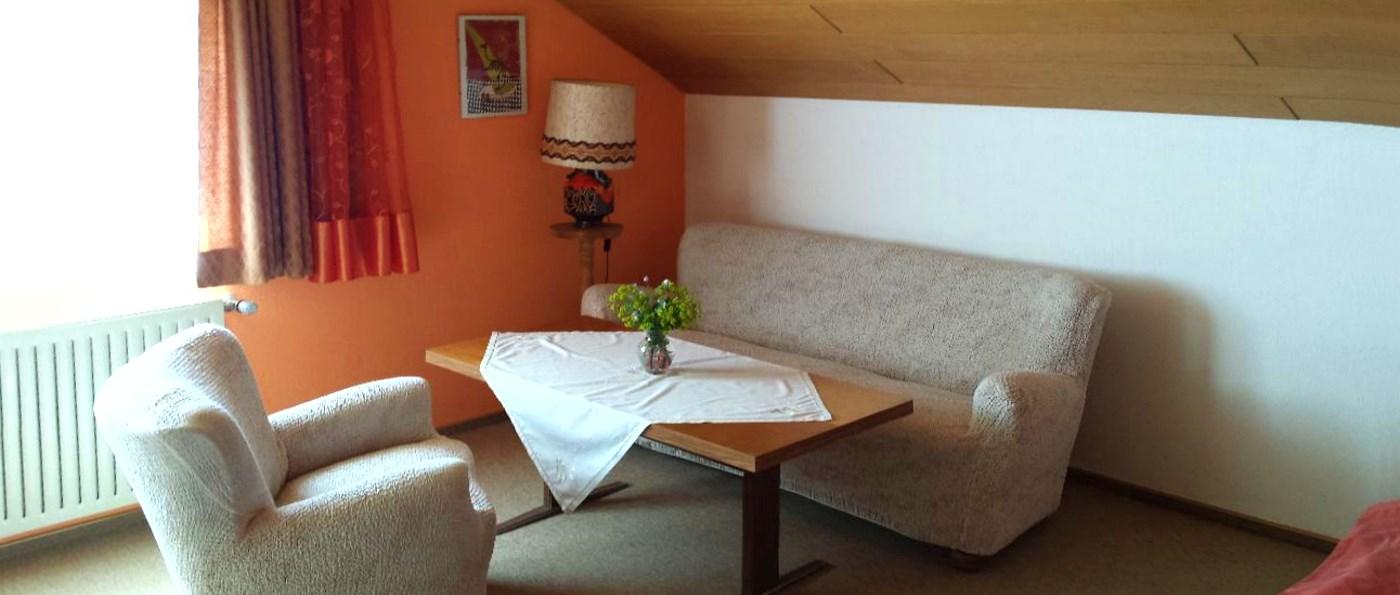 lesny-straubing-ferienwohnung-wiesenfelden-unterkunft-niederbayern