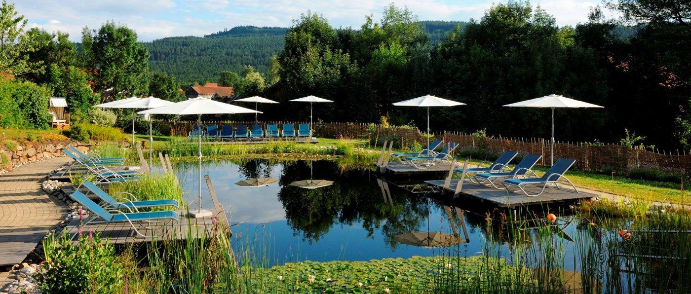 lindenwirt-bodenmais-wellnesshotel-bayerischer-wald-schwimmteich