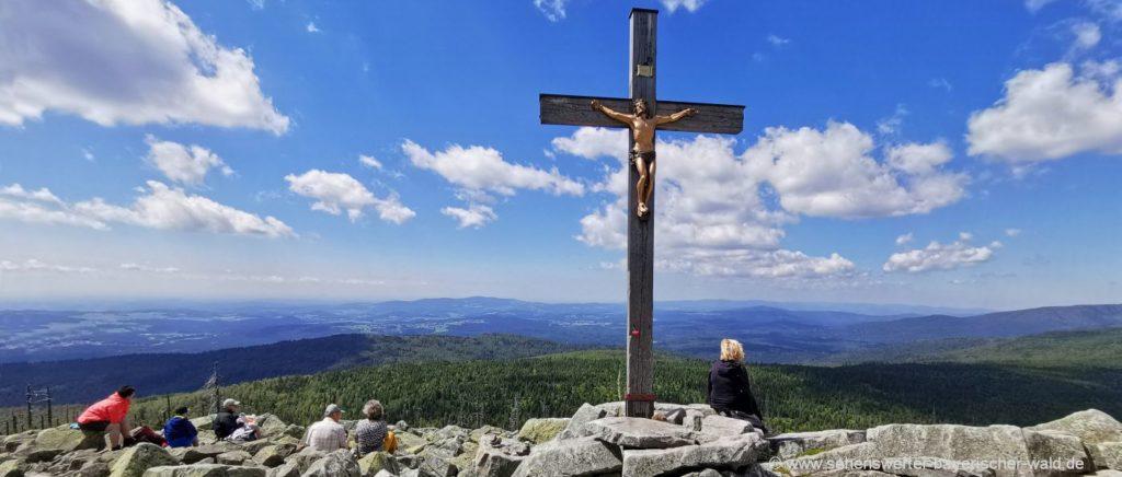 Gipfelkreuz am Lusen Aussichtspunkt Nationalpark Bayerischer Wald