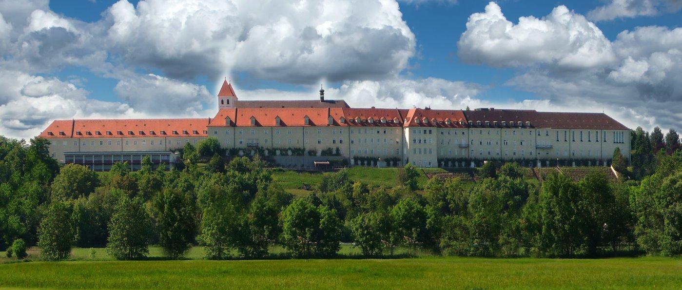 mallersdorf-ausflugsziele-kloster-sehenswuerdigkeiten-niederbayern-ansicht