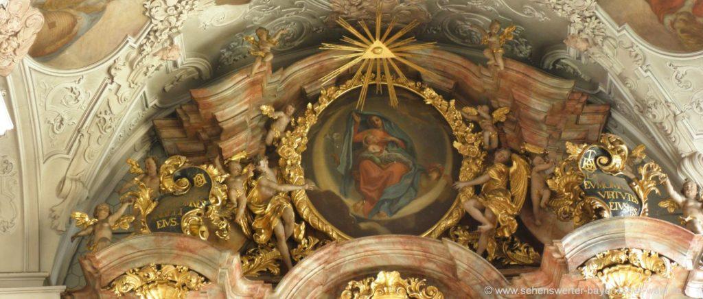 Ausflug zum Kloster Metten in Niederbayern - Hochaltar Klosterkirche