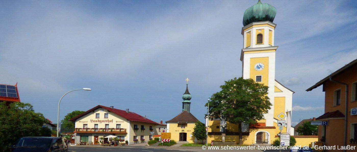 michelsneukirchen-ferienort-sehenswuerdigkeiten-kirche-ansicht-panorama-1400