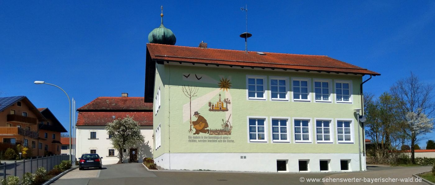 michelsneukirchen-sehenswertes-gemeinde-rathaus-freizeittipps