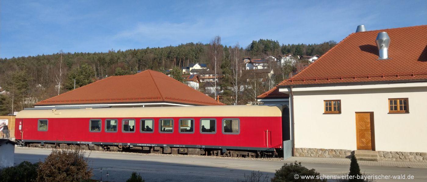 Café Waffel Fabrikverkauf in Miltach Sehenswürdigkeit & Ausflugslokal