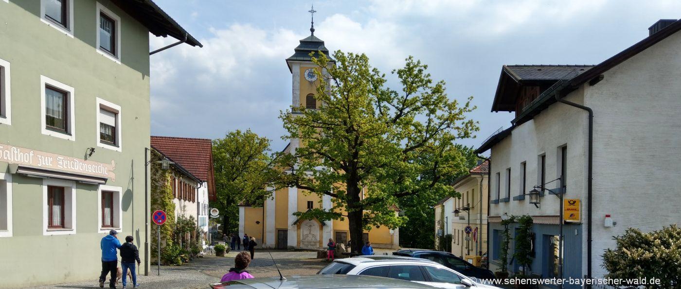 mitterfels-sehenswürdigkeiten-niederbayern-ausflugsziele-kirche-dorfplatz