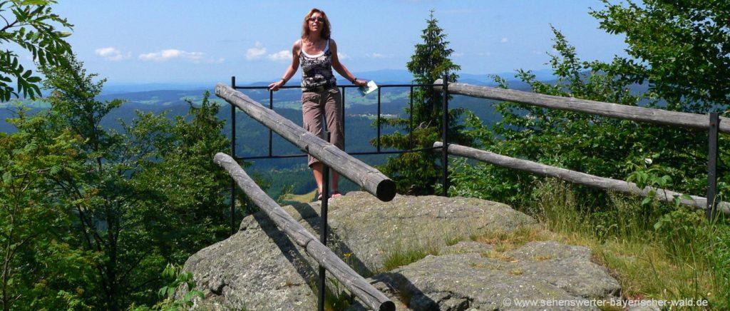 Ausflugsziele in Philippsreut Aussichtspunkt Rundweg zum Almberg