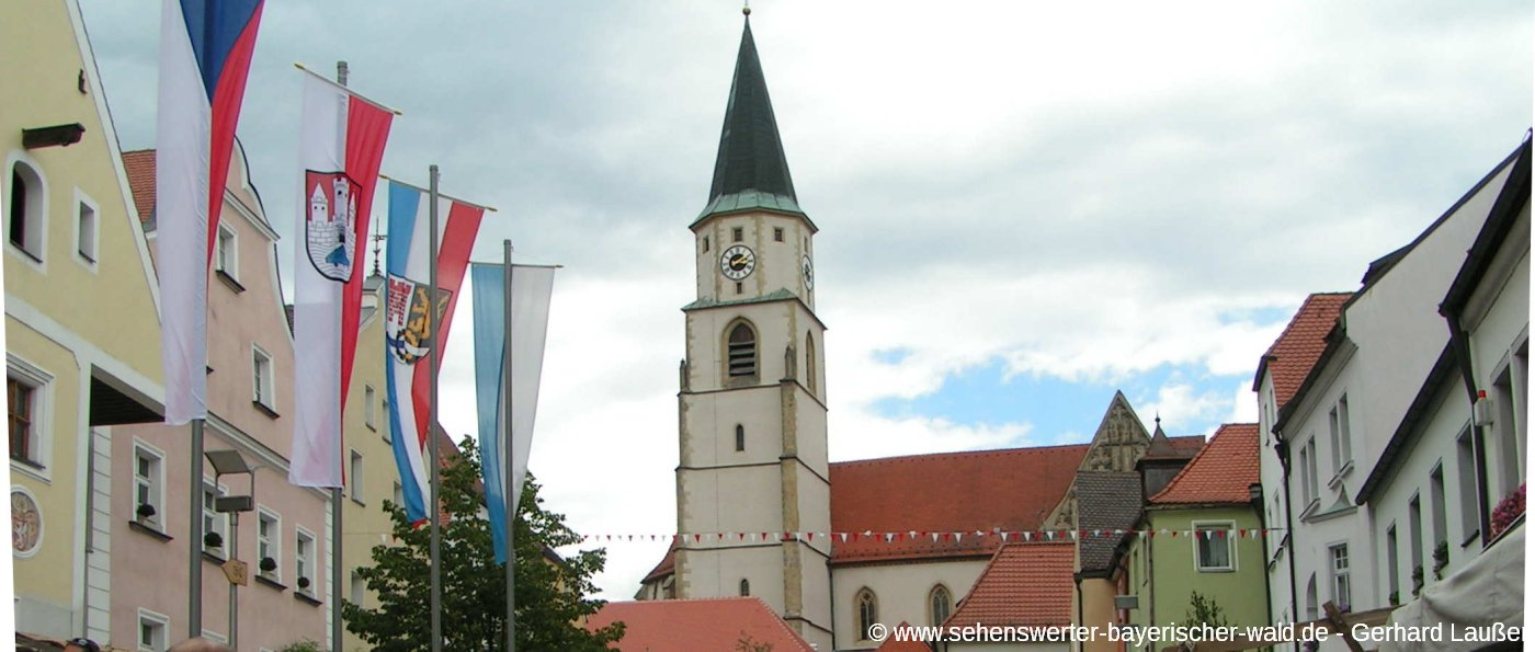 nabburg-ausflugsziele-landkreis-schwandorf-marktplatz-kirche-panorama