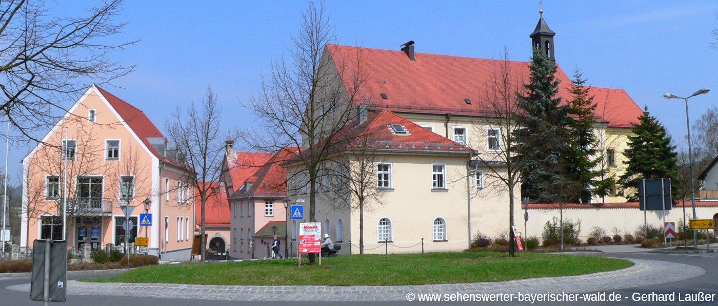 neunburg-vorm-wald-stadt-sehenswuerdigkeiten-panorama-1400
