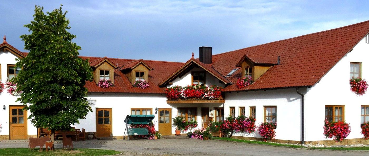 nissl-neunburg-vorm-wald-ponyhof-oberpfalz-bauernhof