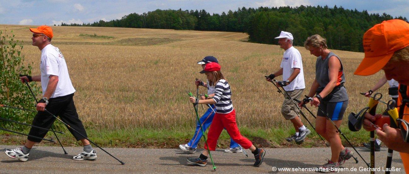 Bayerischer Wald Nordic Walking Urlaub in Bayern Walker unterwegs