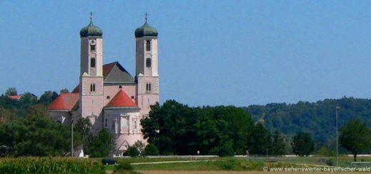 oberalteich-kloster-wallfahrtskirche-niederbayern-ausflugsziele