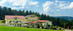ödhof-wellnesshotel-bayerischer-wald-fastenwoche-aussenansicht