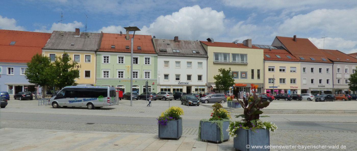 osterhofen-stadtplatz-ausflug-historische-bauwerke