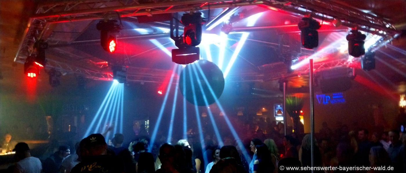 partylocation-niederbayern-disco-tanzen-feiern