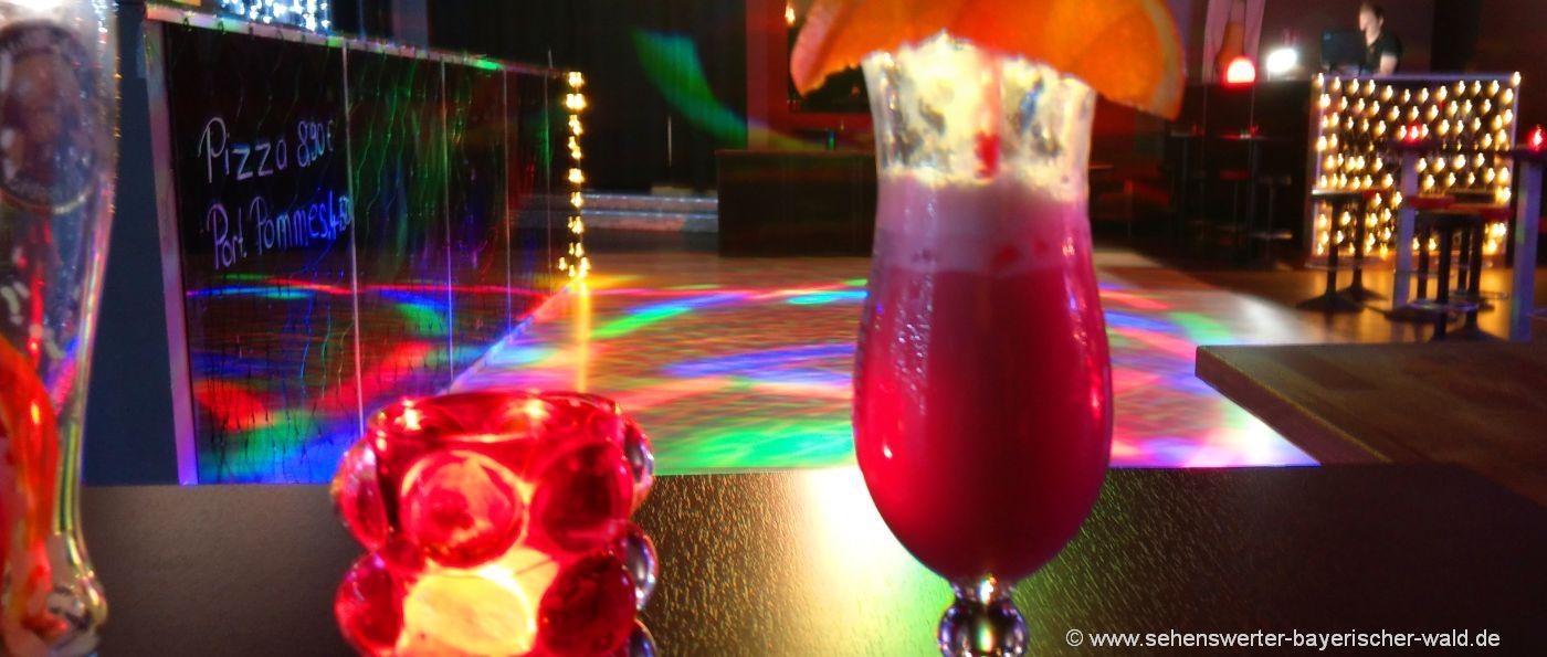 partylocation-niederbayern-oberpfalz-disco-feiern-longdrinks