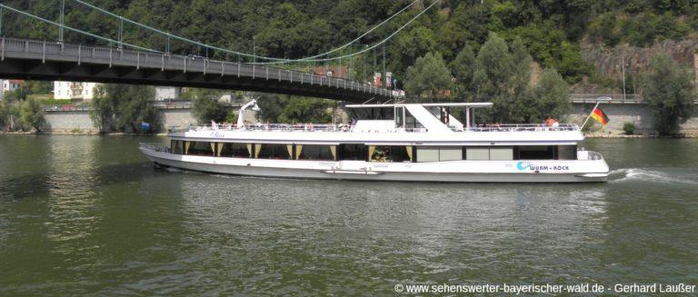 passau-donauschifffahrt-österreich-brücke-fluss