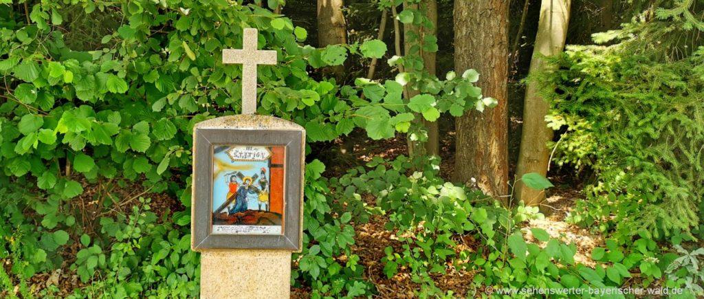 Kreuzweg zur Kalvarienbergkirche Ausflugsziele bei Pemfling