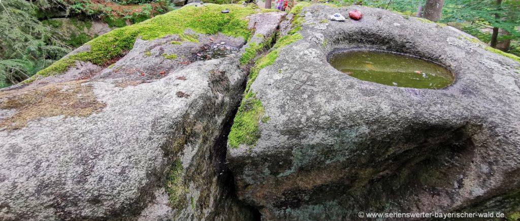 Keltenstein bei Igleinsberg Schalenstein oder Druidenstein genannt